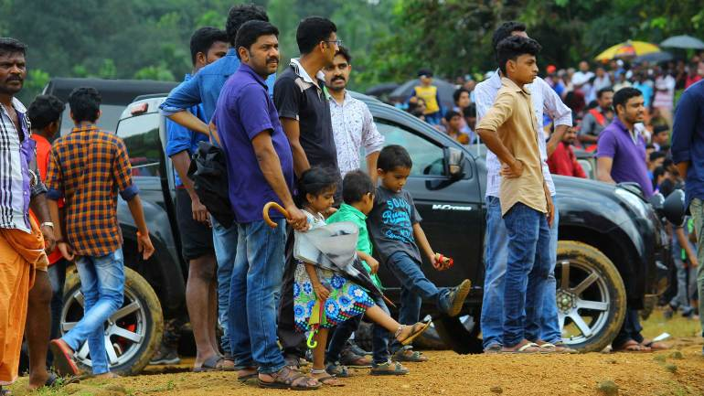 Bhoothathankettu-Fest-(Four-Wheel-mud-race)-Kids-with-their-parents-came-to-enjoy-the-slush-fest