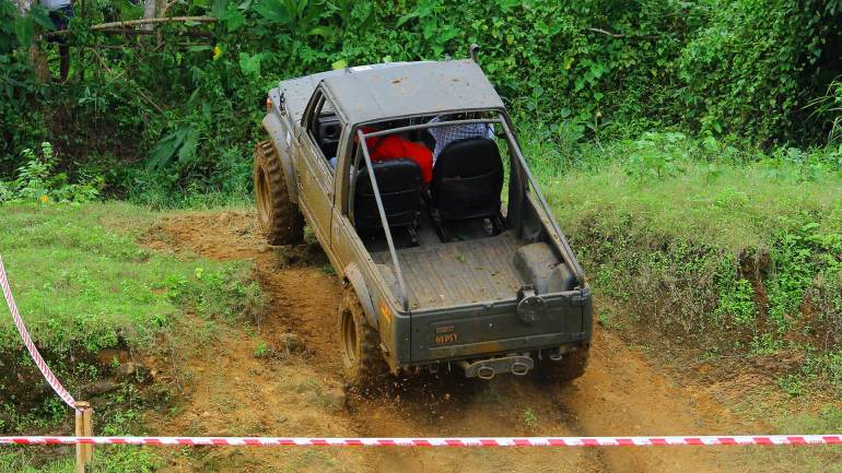 Bhoothathankettu-Fest-(Four-Wheel-mud-race)-Need-Control-than-Speed-on-off-road-racing