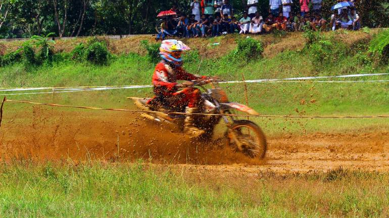 Bhoothathankettu-Mud-Race-2017-Its-really-Dirt