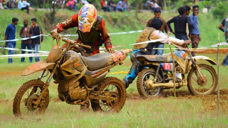 Bhoothathankettu-Mud-Race-2017-Riders-after-the-trial-lap