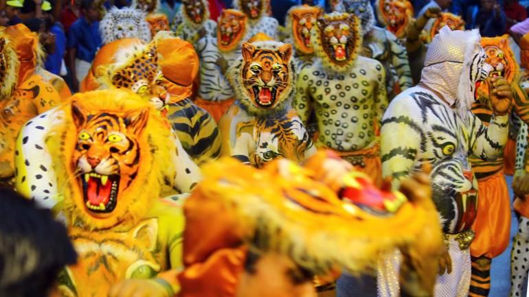 Puli-Kali-Pulikkali-Spirit-and-Colors-of-tigers