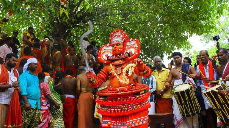 Bhadra-Kali-(Goddess-Kali)-theyyam-at-Kodungallur-Bhagavathy-temple-blesses-the-devotees-on-the-occasion-of-Kodungallur-Bhrani-festival-Kerala-Festival-Photos-De-Kochi, Kodungallur Bharani