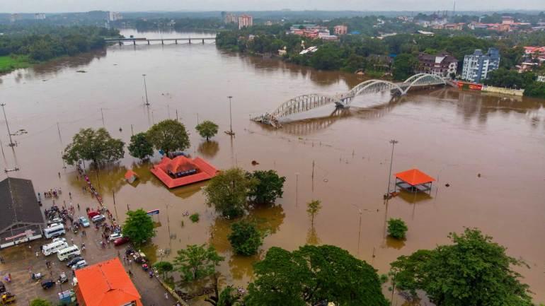 Aerial-View-of-Aluva-Shiva-Temple-bridge-under-flood-due-to-heavy-rain-in-Kerala