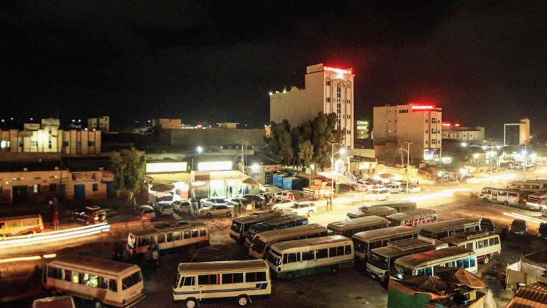 Hargeisa-bus-station,-a-night-view