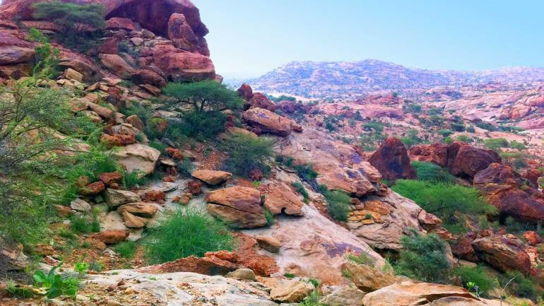 Rocky-exterior-of-Laas-Geel-cave,-Hargeisa-Somaliland