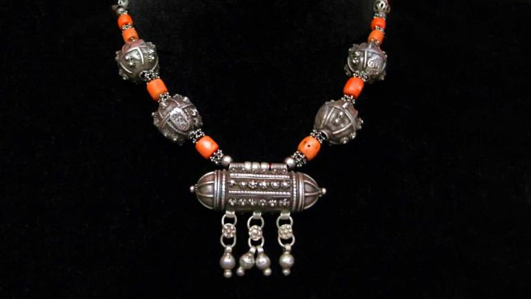 Xirsi-(Somalia-Necklace),-common-ornament-wearing-Somaliland-ladies