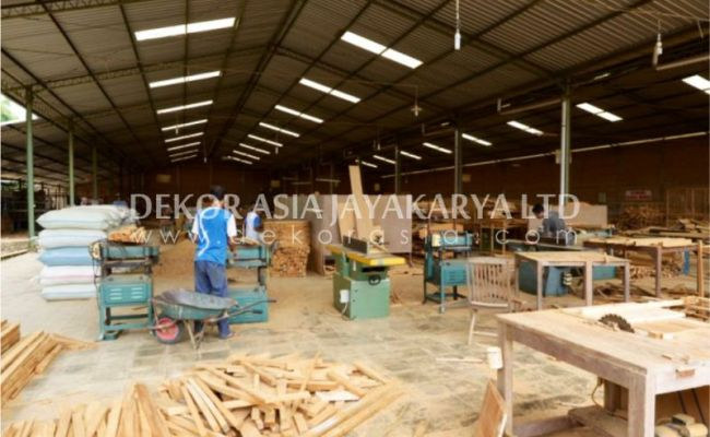 Factory For Machine Made Outdoor And Indoor Furniture In