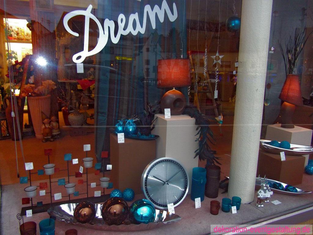 Schaufensterdekoration  Schaufenster Dekoration  Nicole
