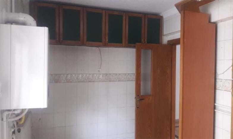 Mutfak duvarlarında bulunan tüm fayanslar sökülerek, alçı sıva ve boya badana yapılacak.
