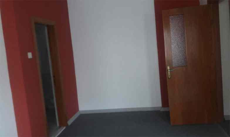 Yatak odası zeminleride laminat parke yapılarak tüm tavan ve duvarlar boyanacak.