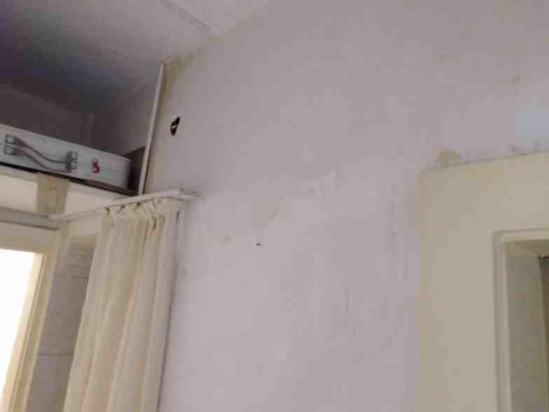 Harabe bir evi boyamak9
