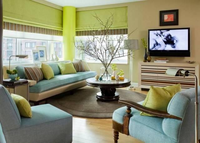 Oturma odasında yeşil ve mavi