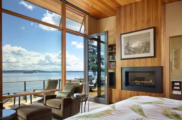 Bedroom with a beautiful view