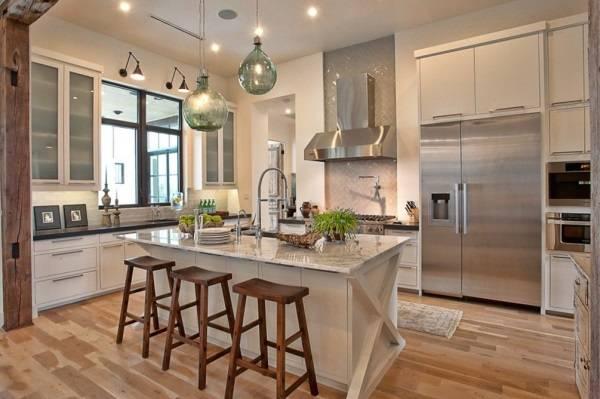 İyi aydınlatmalı mutfak tasarımı