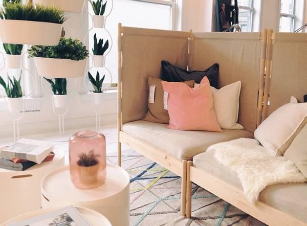 Oturma odası için köşe döşemeli mobilyalar - IKEA koltuklarının fotoğrafı