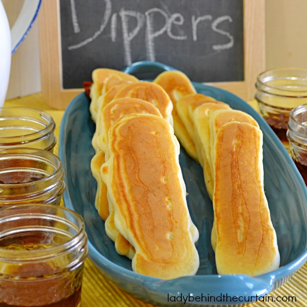Buffet-Pancake-Dippers-Lady-Behind-The-Curtain-4.jpg