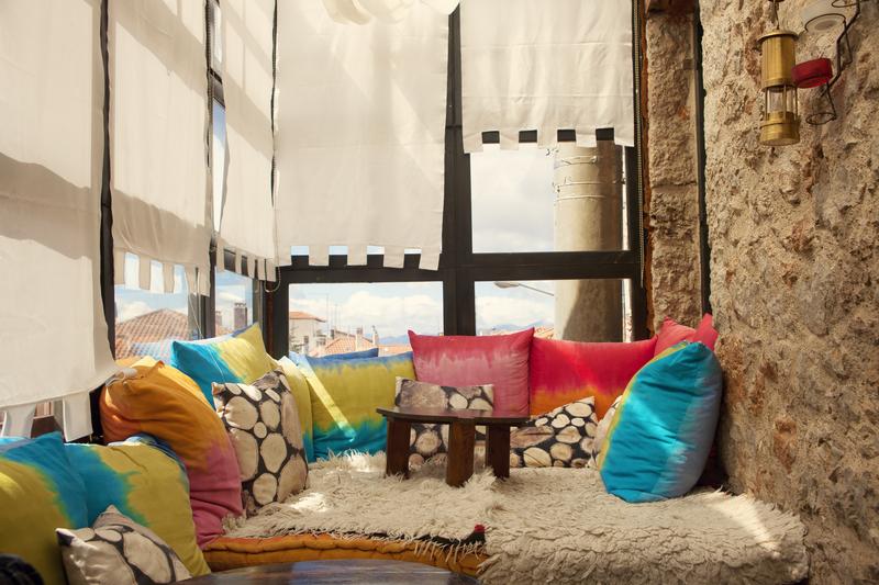 3. ruang keluarga minimalis-2