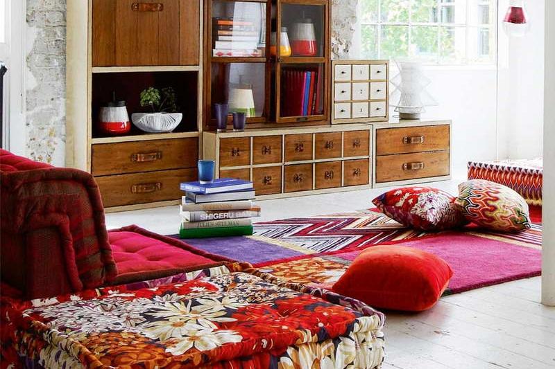 Ruang Keluarga Minimalis Karpet Eyecatching