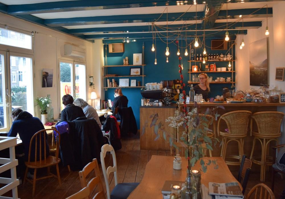 12 Inspirasi Lampu Gantung Minimalis Ala Cafe Yang Berkelas