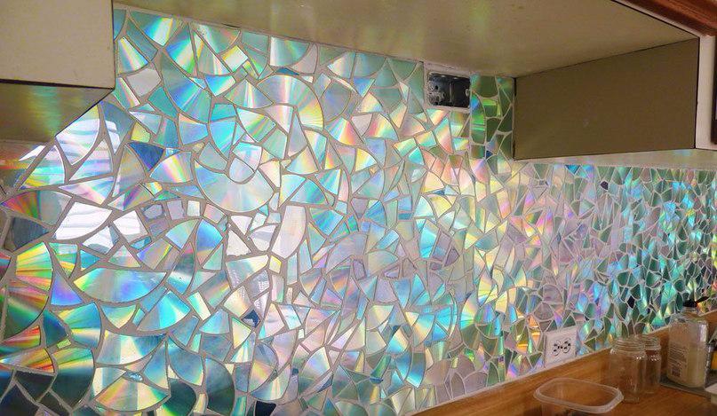 Hiasan Dinding dari Kepingan CD