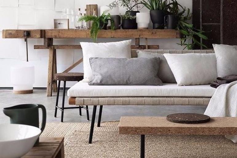 Modernitas sederhana sebagai desain ruang tamu minimalis ukuran 3x3