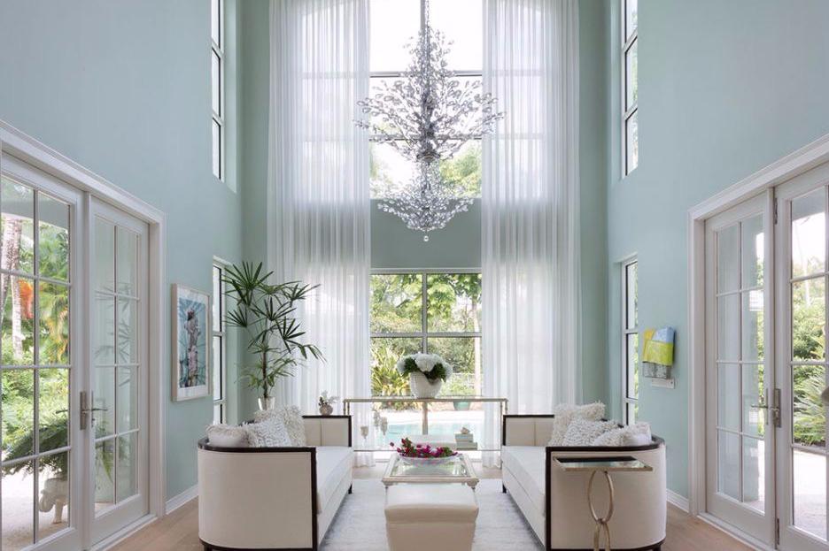 Renovasi tinggi plafon agar rumah impian terlihat lebih luas