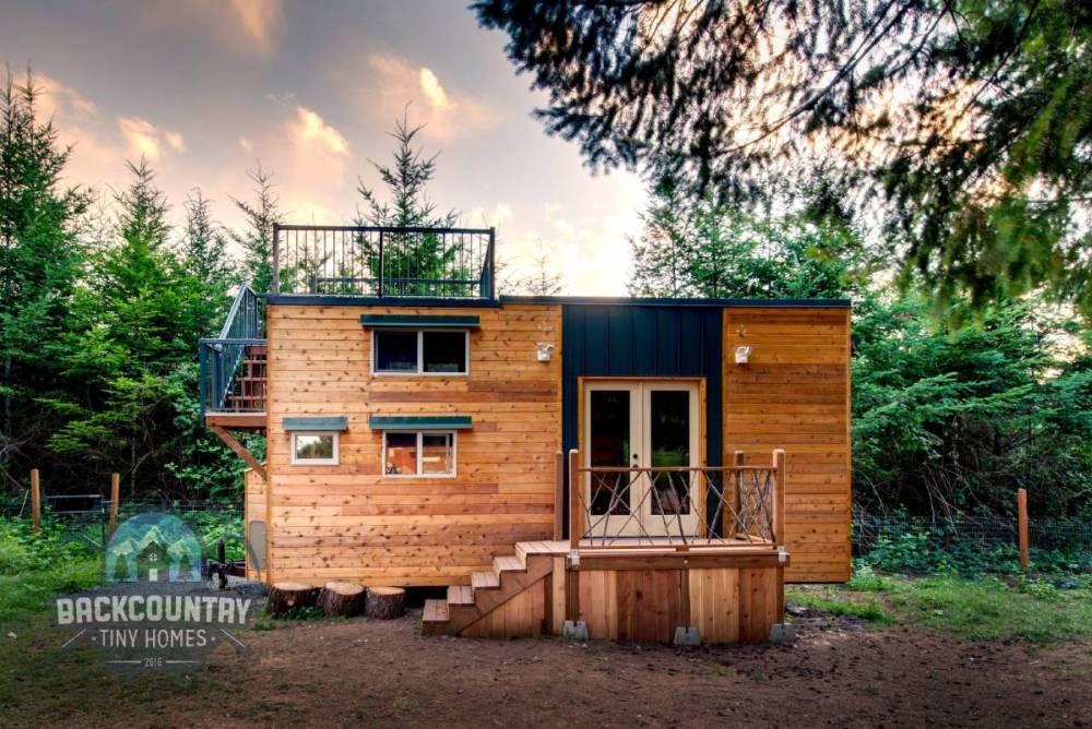 Desain Rumah Kayu Basecamp Tiny House