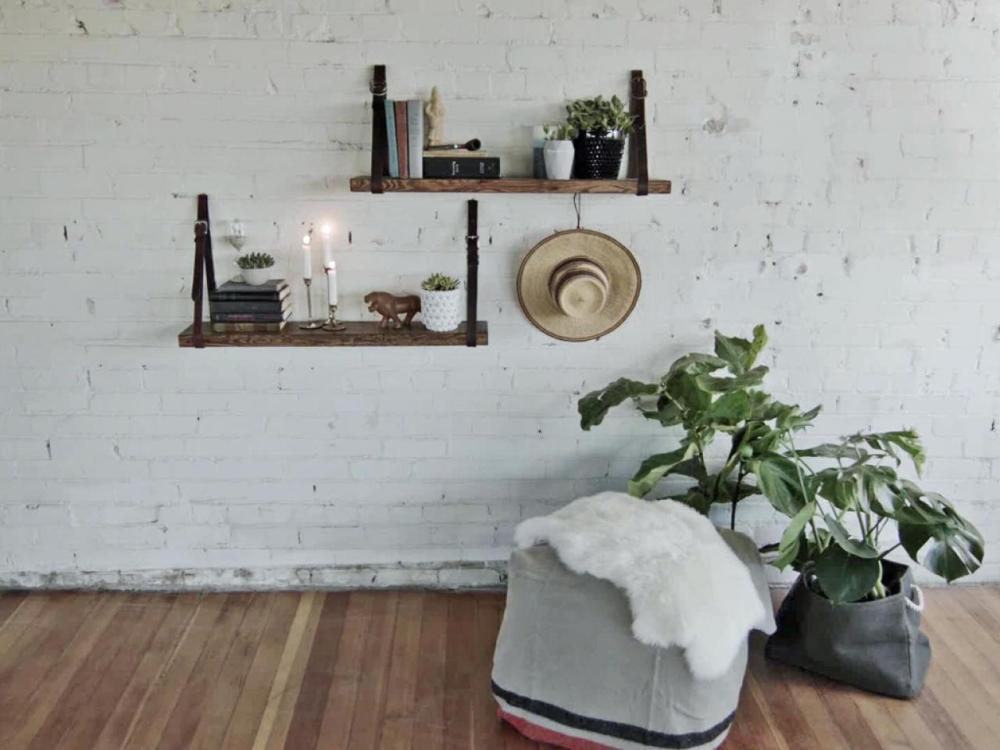 Membuat-rak-dinding-minimalis-dengan-model-tangga