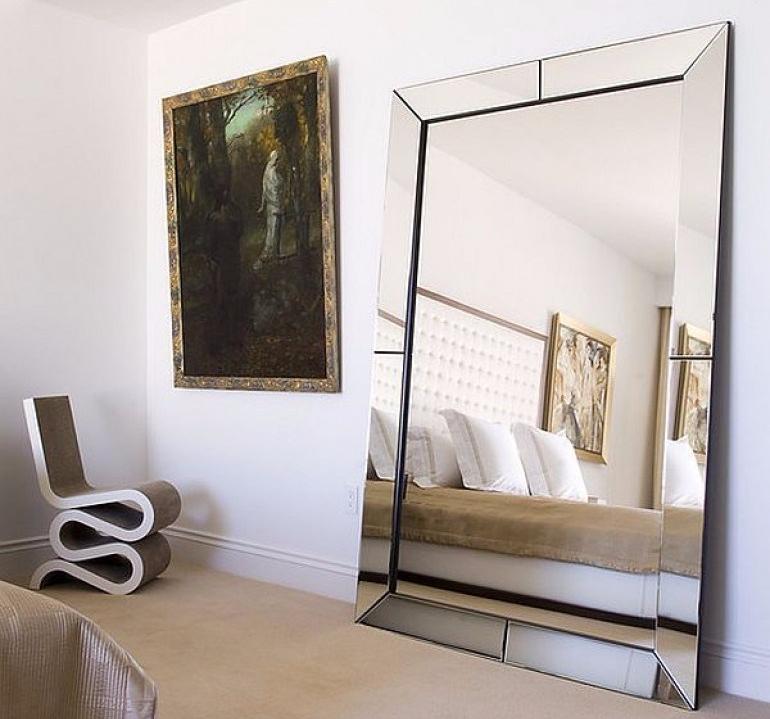 Pajang cermin sebagai dekorasi rumah sederhana