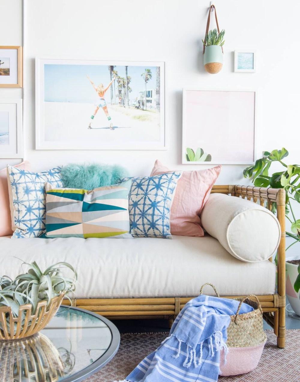 12 Desain Ruang Tamu Sederhana Ala Coastal Cottage