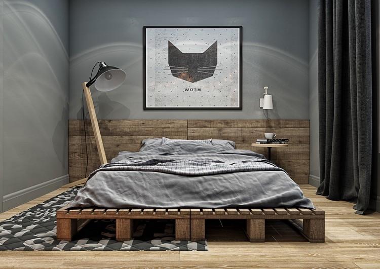 Interior kamar tidur industrial dengan ranjang palet kayu