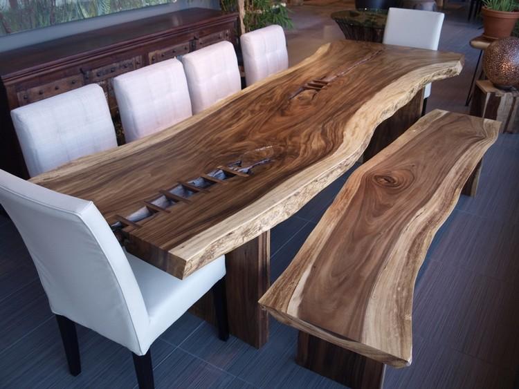 Meja makan minimalis berbentuk abstrak