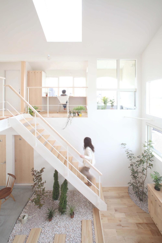 rumah tingkat minimalis kofunaki house
