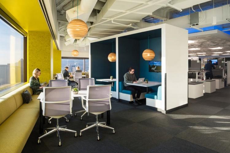 Desain interior kantor Digital Intelligence Company New Relic