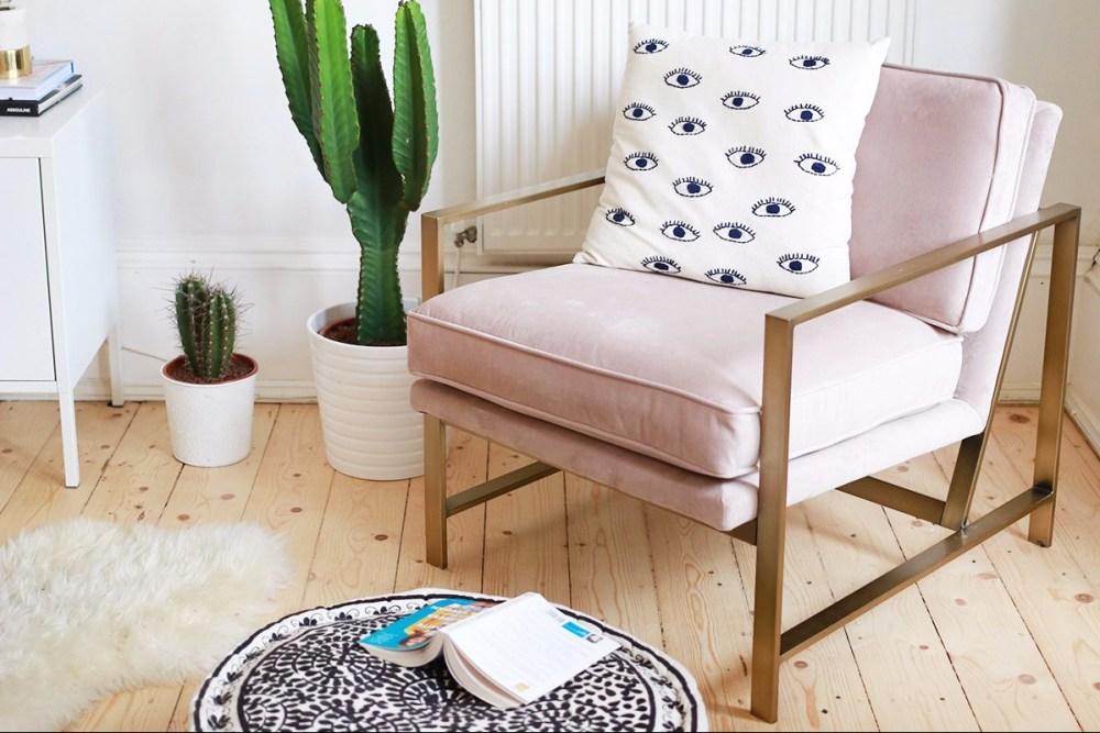 desain kamar tidur minimalis kursi sofa