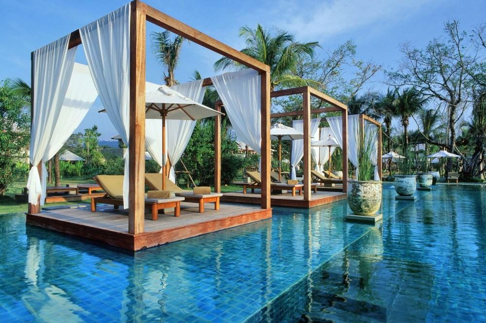 Kolam Renang Sarojin Resort