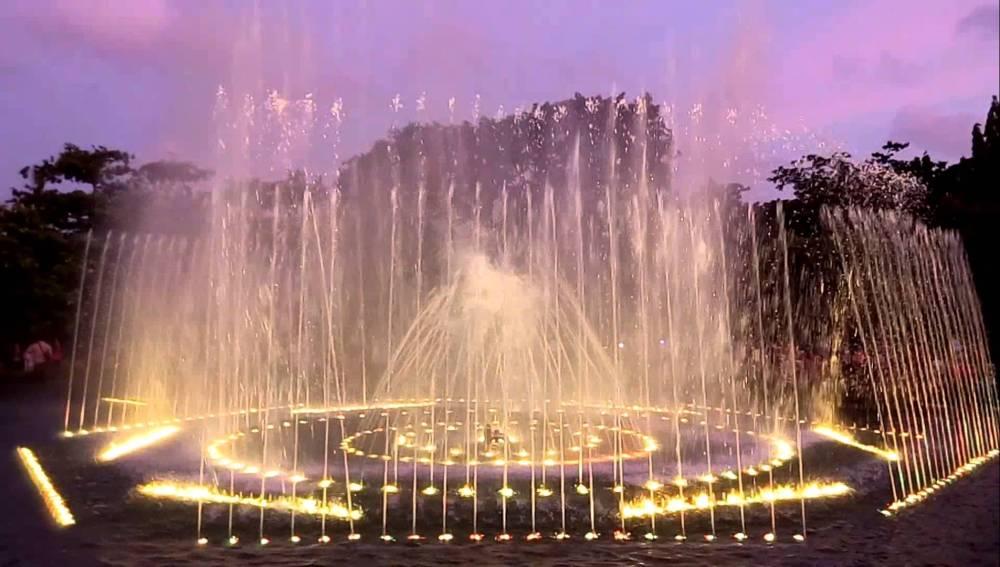 Air Mancur Menari Taman Lumintang