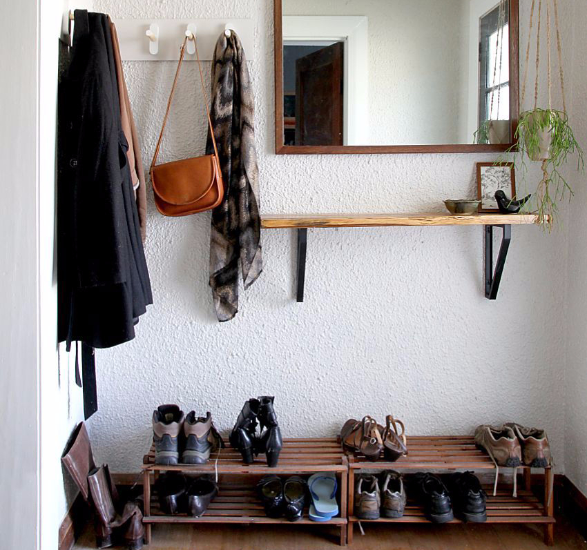Dekorasi Rumah Minimalis Gantungan Baju Rak Sepatu
