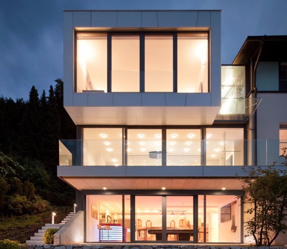 Desain Rumah Minimalis Sederhana Geometri Tinggkat Tiga