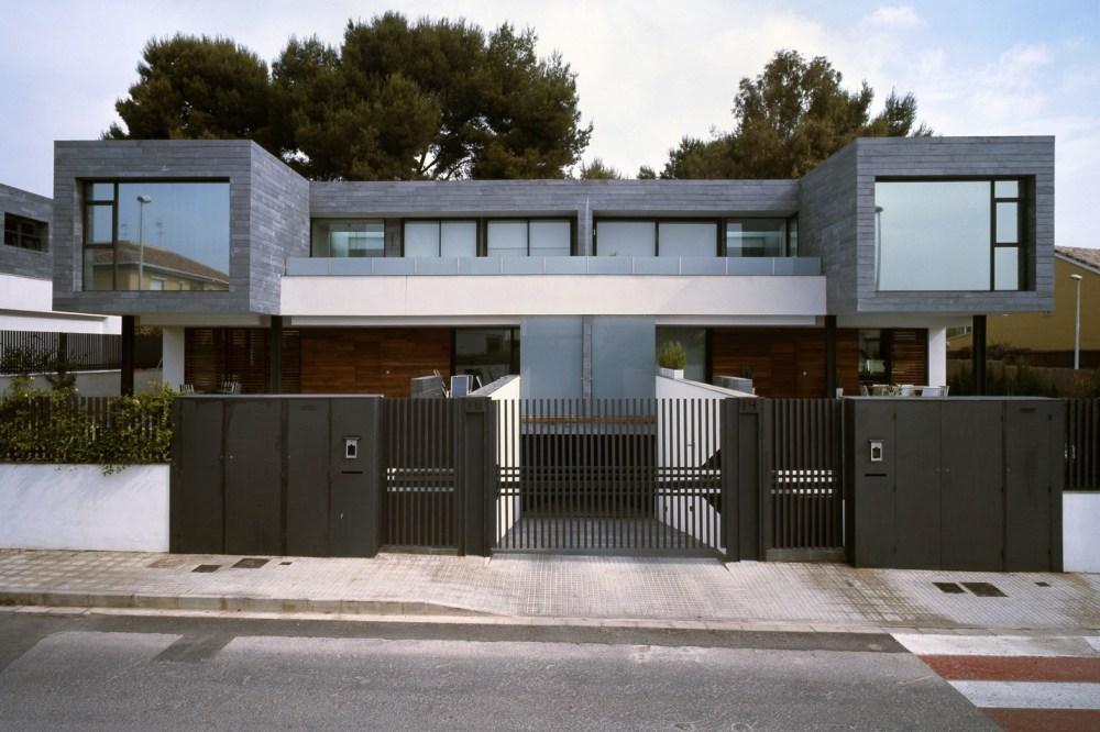 rumah minimalis warna monokrom