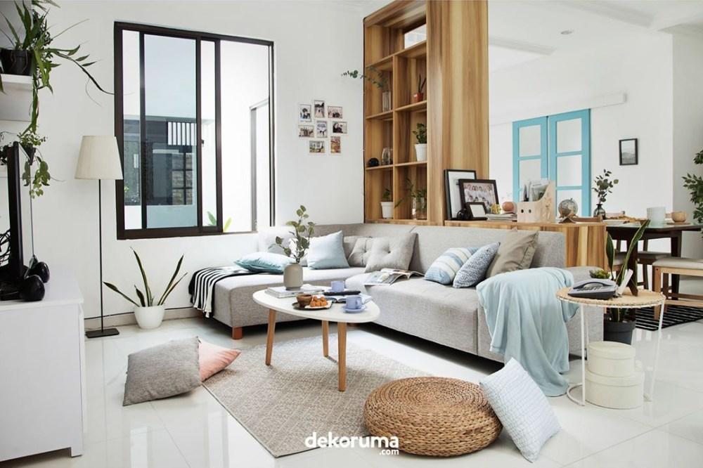 Lemari Pajang Dekorasi Ruangan Tamu