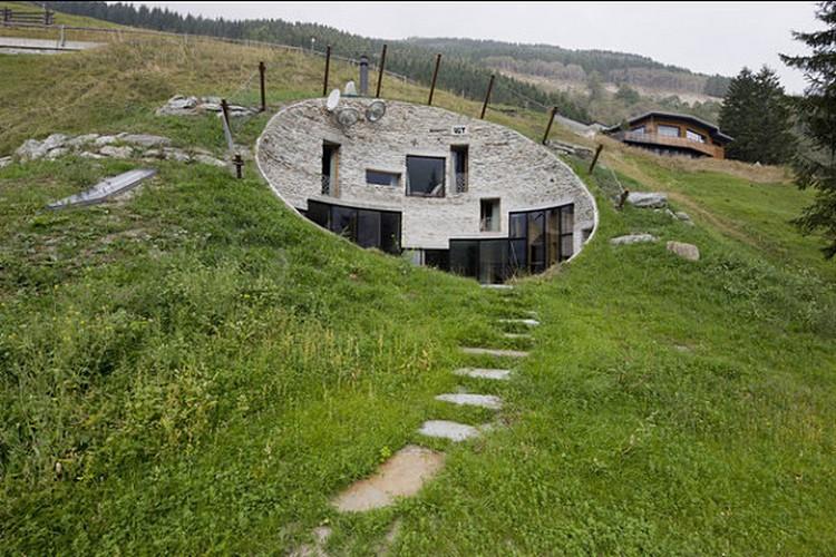 Rumah Bawah Tanah Switzerland's Villa Vals