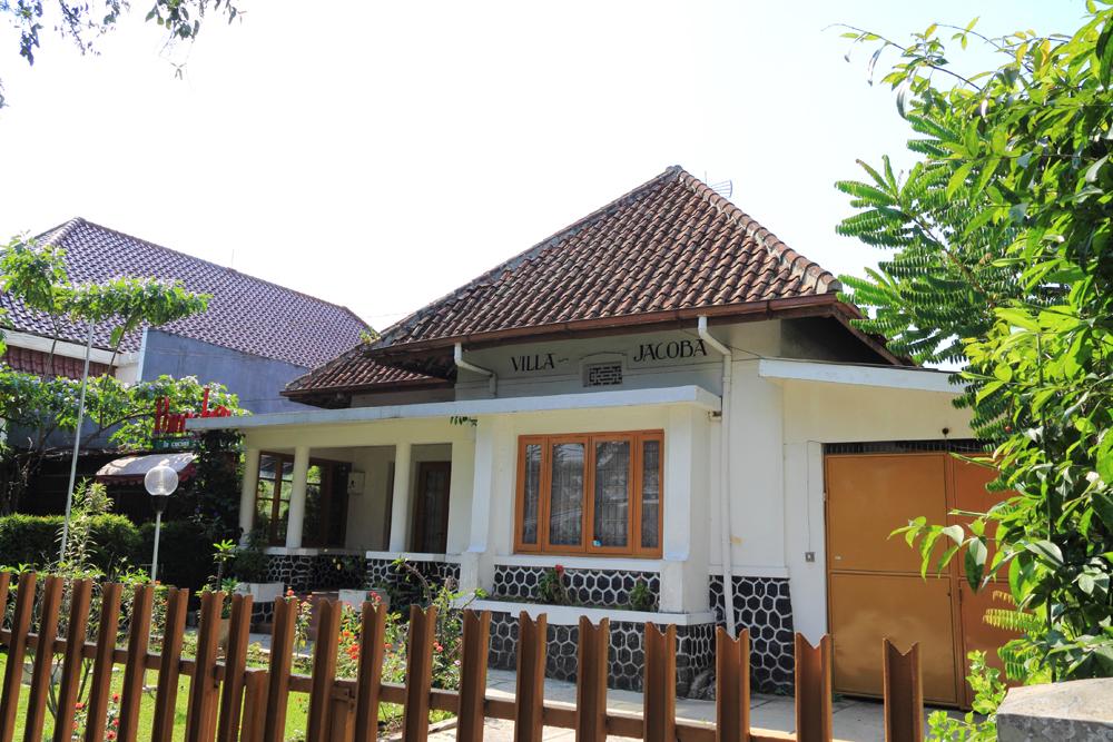 Membangun Rumah Material