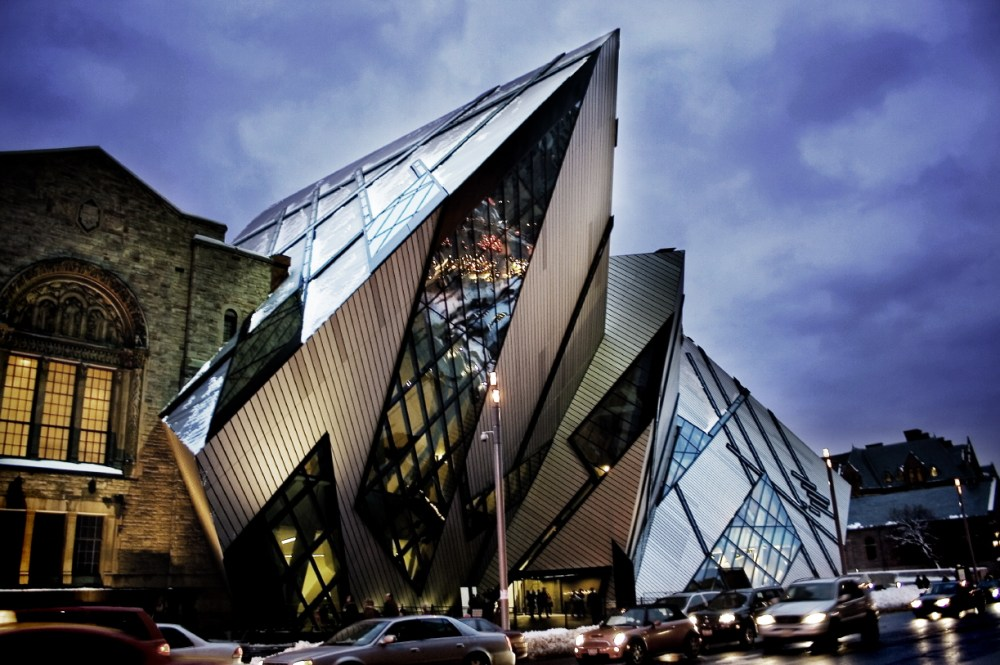 Prinsip Desain Arsitektur Contrast