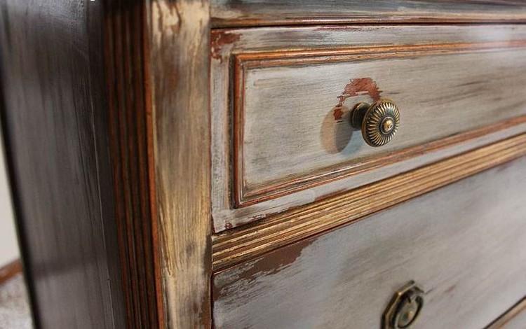 Tips Membedakan Furnitur Antik Asli dan Palsu