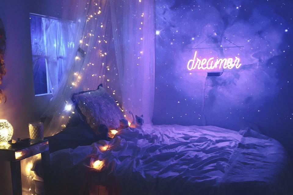 Dekorasi Lampu LED Rumah Pada Kamar Tidur