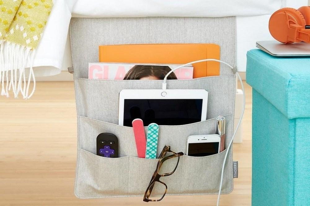 Caddy Bedside Ranjang Ruang Penyimpanan Desain Kamar Kost Rapi Biaya Murah