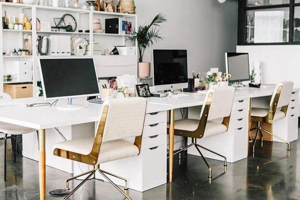 ruangan kantor kasual