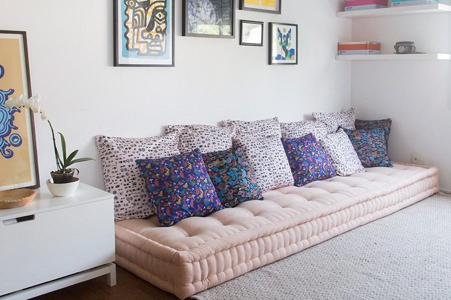 Cushion floor bahan velvet