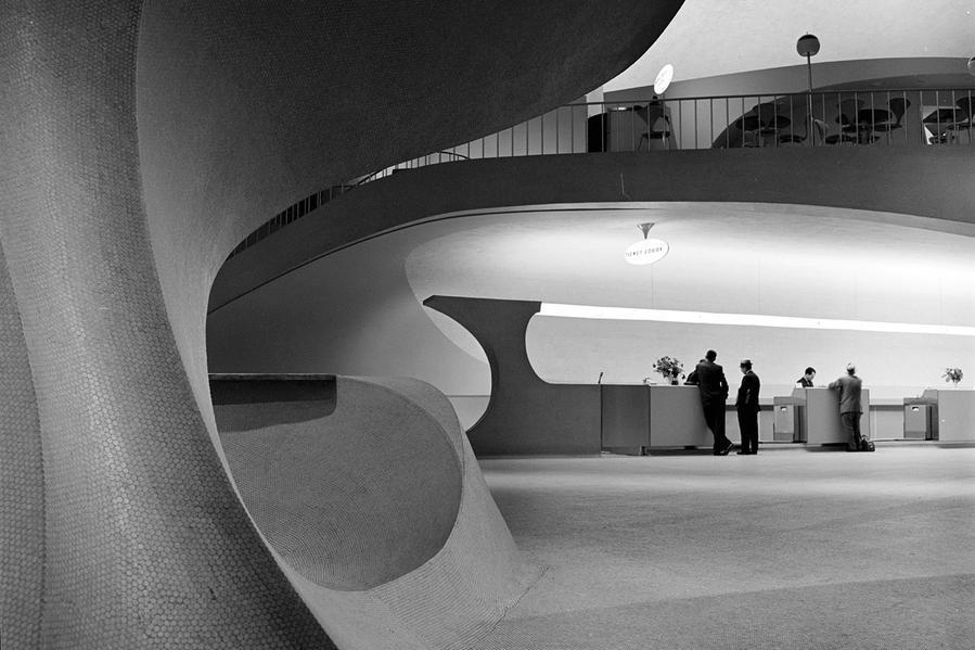 Arsitektur Post Modern Aero Saarinen